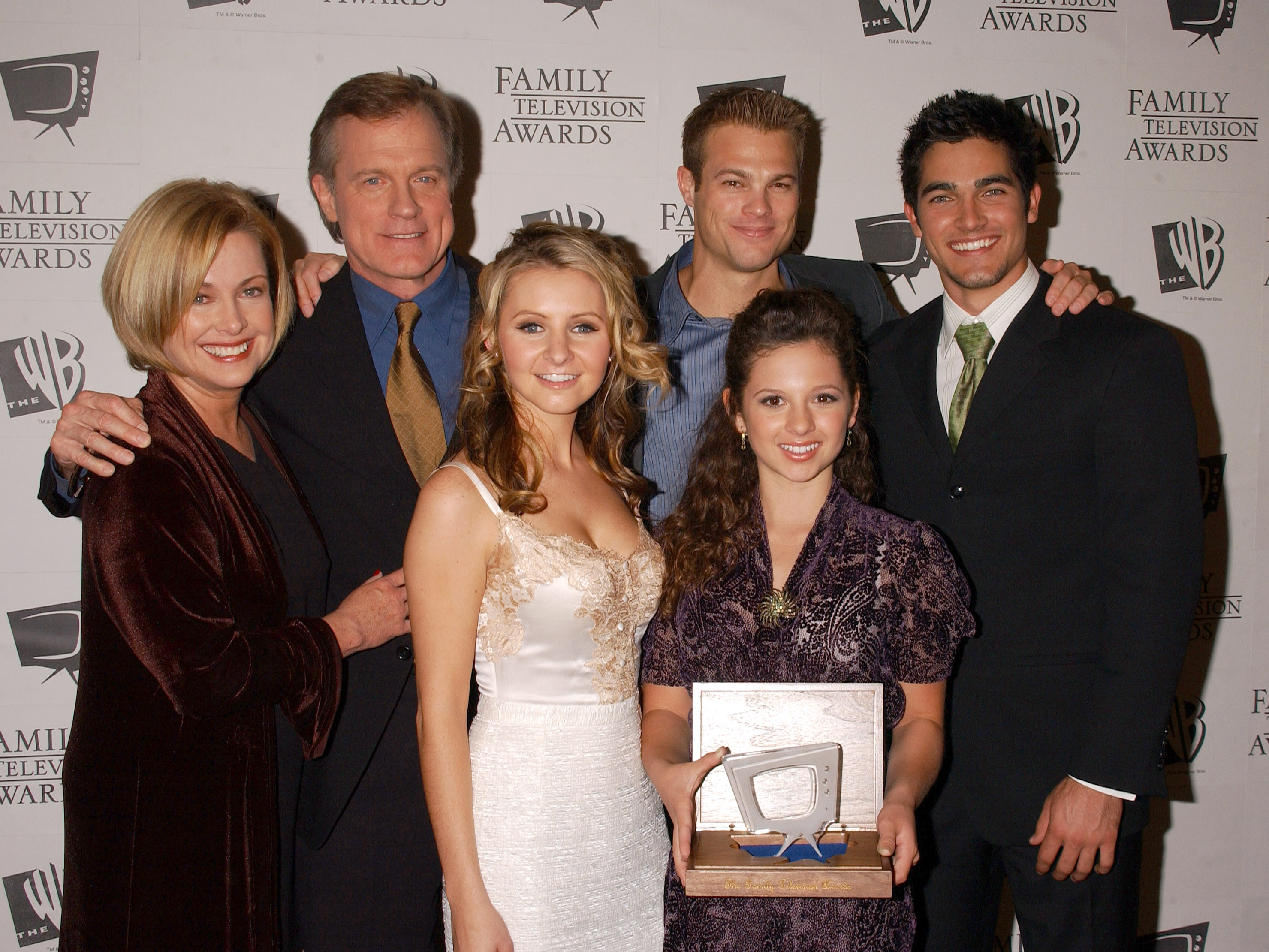 Photos de Mackenzie Rosman - 7th Annual Family Television Awards - 49