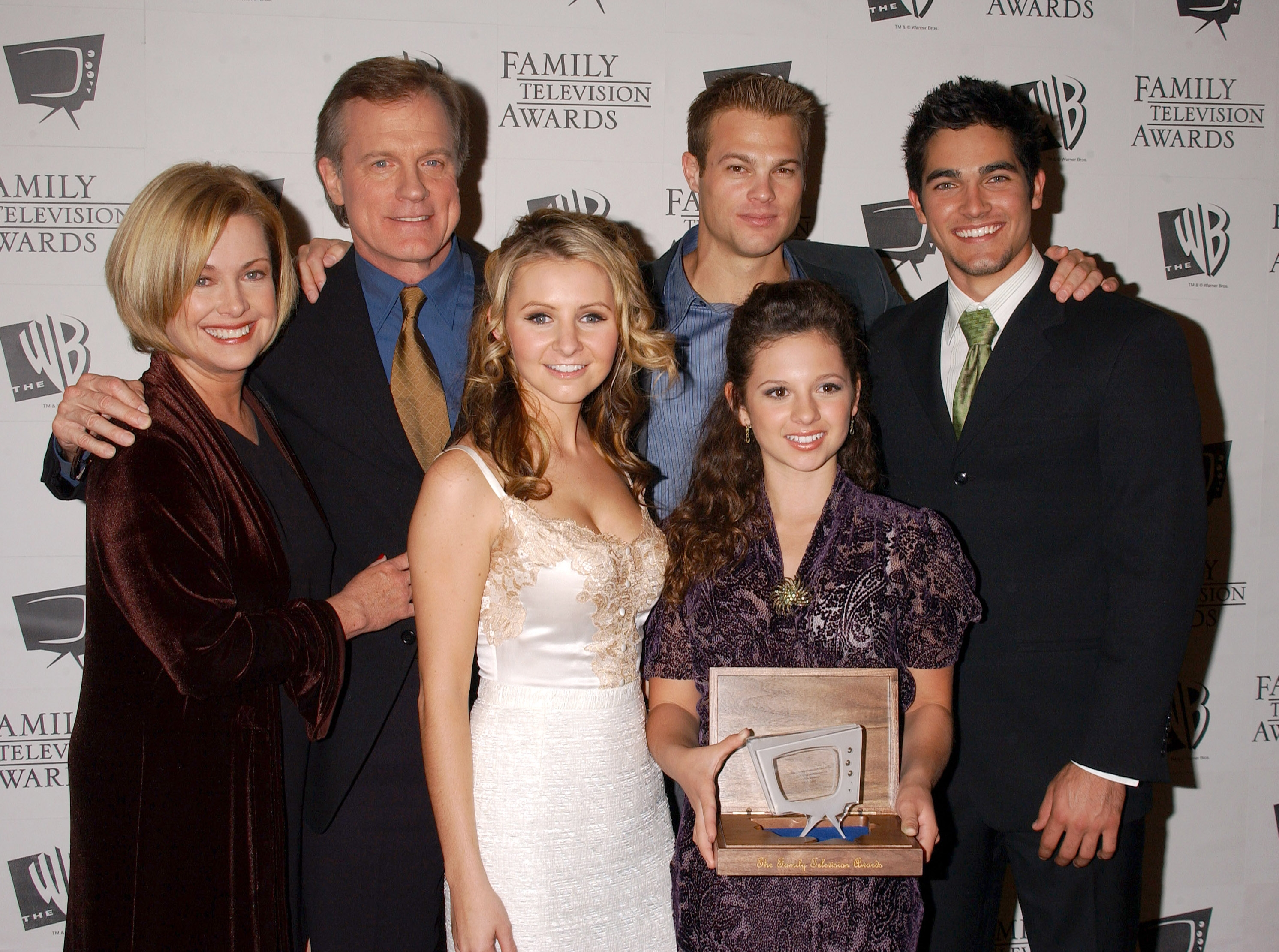 Photos de Mackenzie Rosman - 7th Annual Family Television Awards - 50