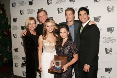 Photos de Mackenzie Rosman - 7th Annual Family Television Awards - 36