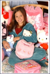 Photos de Mackenzie Rosman - Hello Kitty DreamWorld 28th Birthday - 2