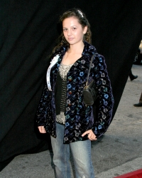 Photos de Mackenzie Rosman - Hollywood Christmas Parade 11.27.2005 - 21