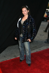 Photos de Mackenzie Rosman - Hollywood Christmas Parade 11.27.2005 - 19