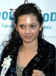 Photos de Mackenzie Rosman - Hollywood Christmas Parade 11.27.2005 - 7