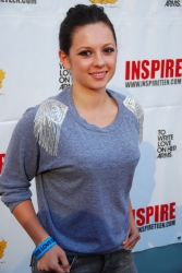 Photos de Mackenzie Rosman - Inspire A Little Love 04.16.2010 - 0