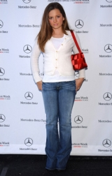 Photos de Mackenzie Rosman - Mercedez Benz Fall LA Fashion Week - 2