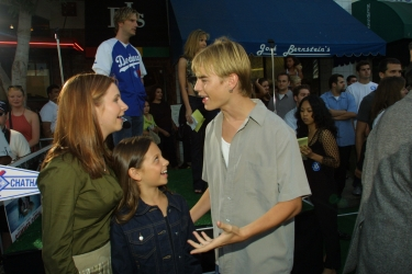 Photos de Mackenzie Rosman - Summer Catch Premiere 08.22.2001 - 8