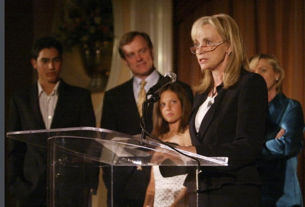 Photos de Mackenzie Rosman - Teens Awards Gala 05.01.2004 - 11