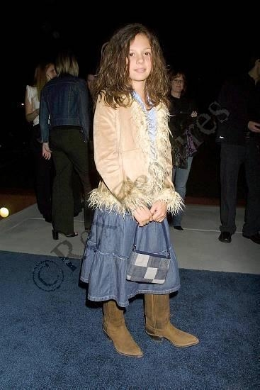 Photos de Mackenzie Rosman - The Future Event 01.30.2003 - 10
